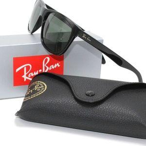 Ray Ban Highstreet Black Frame / Green Classic
